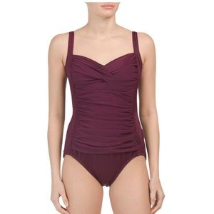 Miraclesuit one piece swimsuit size 16